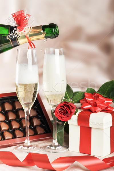 ギフトボックス シャンパン 赤いバラ クローズアップ 紙 結婚式 ストックフォト © taden