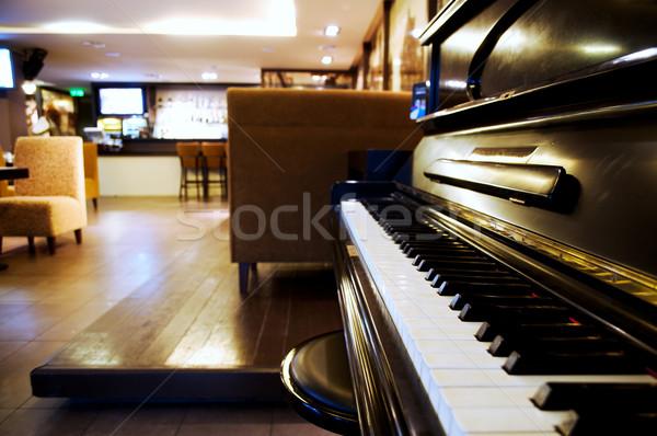 Kuyruklu piyano salon restoran iç ahşap dizayn Stok fotoğraf © taden