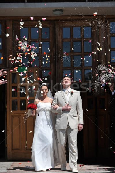 újonnan pár rózsaszirmok esküvő szeretet nők Stock fotó © taden