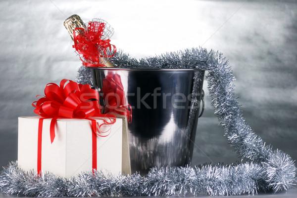 Karácsony szimbólumok vödör pezsgő üveg girland Stock fotó © taden