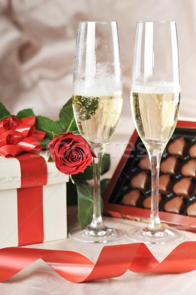 Stockfoto: Geschenkdoos · champagne · Rood · rose · papier · bruiloft
