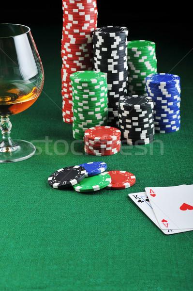 Сток-фото: пить · игральных · карт · цвета · чипов · зеленый · стекла