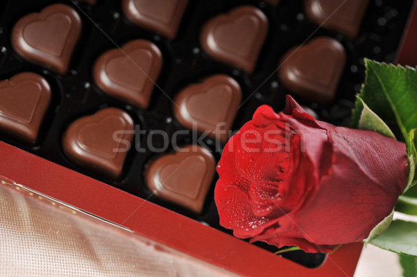 Cioccolato Rose Red a forma di cuore carta wedding Foto d'archivio © taden