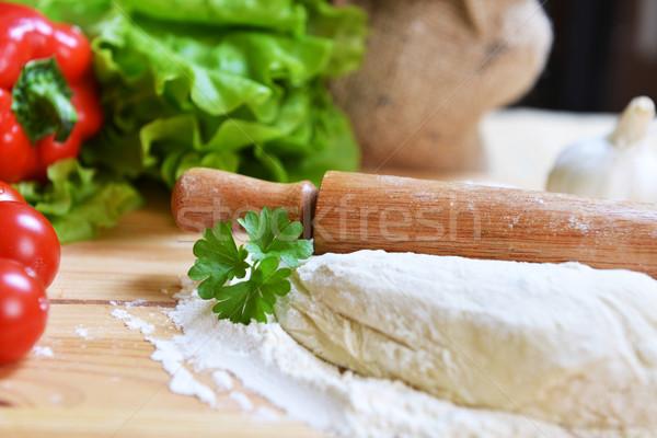 Pizza finom fűszer zöldségek fa asztal konyha Stock fotó © taden