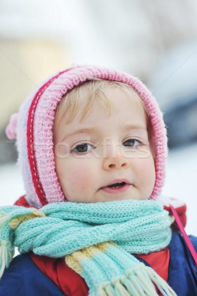 Feliz nina invierno retrato naturaleza belleza Foto stock © taden