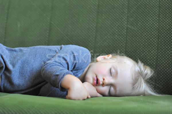 Küçük kız uyku kanepe el bebek Stok fotoğraf © taden