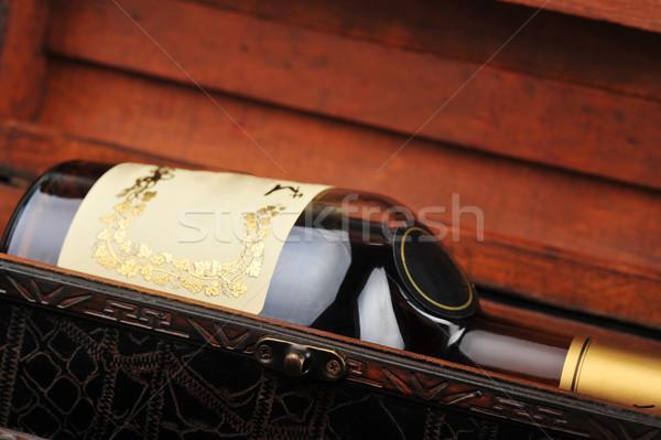 Stok fotoğraf: Konyak · şişe · ahşap · durum · cam · siyah