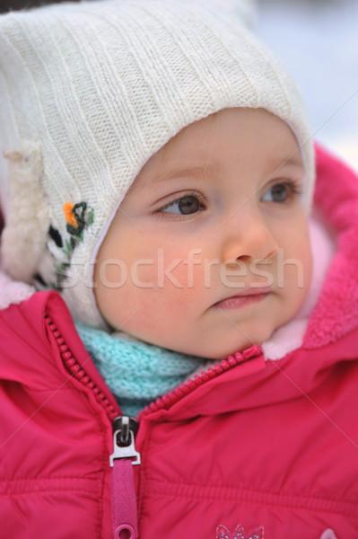 Küçük kız beyaz şapka kış bebek çocuklar Stok fotoğraf © taden