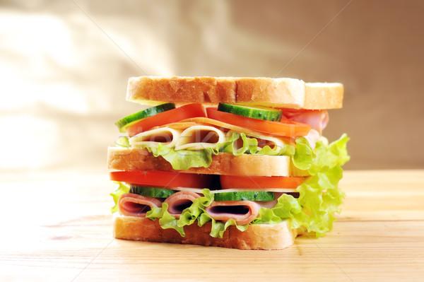 Сток-фото: вкусный · сэндвич · свежие · деревянный · стол · таблице · мяса