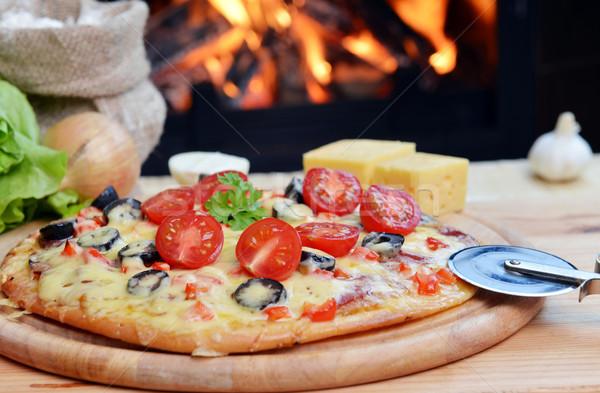 Saboroso pizza madeira forno comida Foto stock © taden