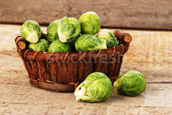 Brussel spruit mand vers groene natuur Stockfoto © taden