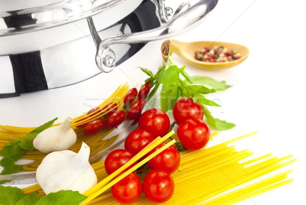 Italiaans koken pasta tomaten basilicum knoflook Stockfoto © Taiga