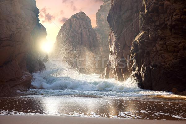 Duży skał ocean fale zachód słońca fantastyczny Zdjęcia stock © Taiga