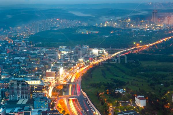 éjszaka város élet mozgás forgalom megvilágított Stock fotó © Taiga