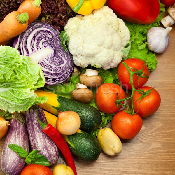 Foto stock: Frescos · orgánico · hortalizas · escritorio · gotas · de · agua
