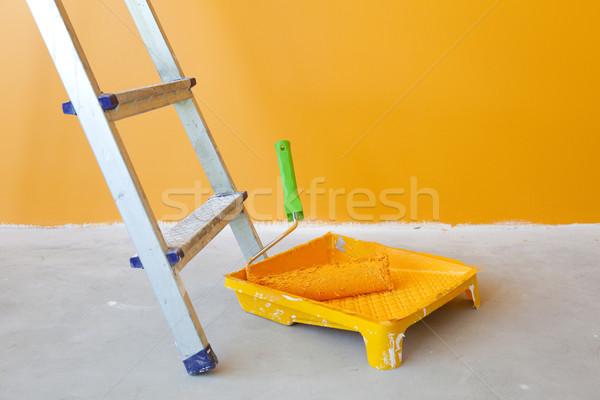 Lakásfelújítás létra festékes flakon festék építkezés otthon Stock fotó © Taiga