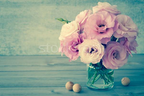 Zacht bloemen glas vaas exemplaar ruimte vintage Stockfoto © Taiga
