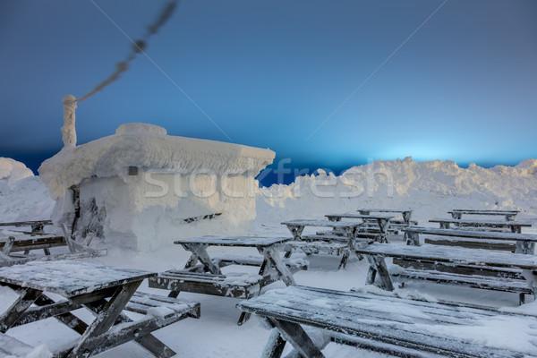 Hóvihar kicsi fából készült ház fedett nagy Stock fotó © Taiga
