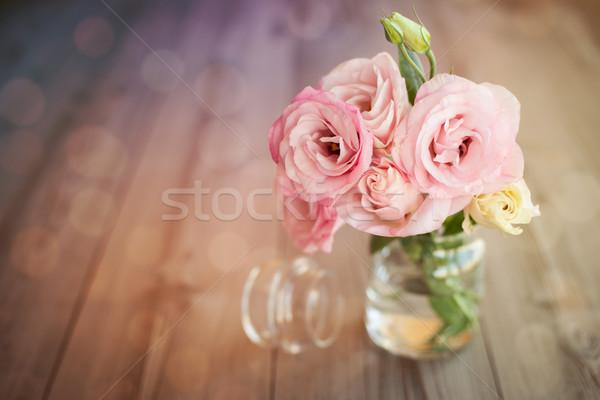 Kleurrijk stilleven rozen glas vaas bokeh Stockfoto © Taiga