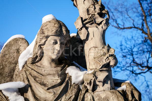 Szobor angyal temető Vilnius Litvánia szemek Stock fotó © Taigi