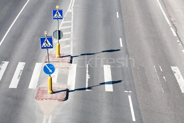 Voetganger zebra patroon verkeersborden textuur stad Stockfoto © Taigi