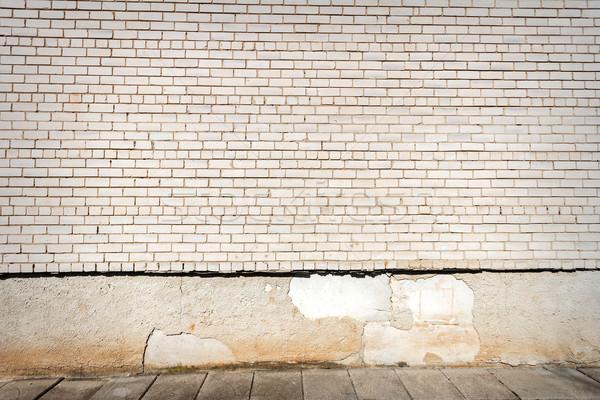 Foto stock: Blanco · pared · de · ladrillo · lado · caminata · pared · azul