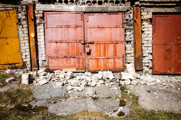 Rovine vecchio arrugginito metal cancello casa Foto d'archivio © Taigi