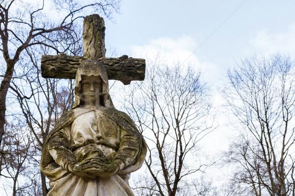 Antigo estátua virgem concreto cemitério Vilnius Foto stock © Taigi