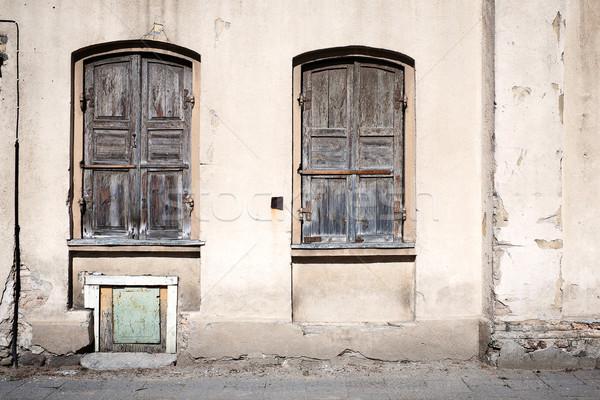古い 壁 窓 閉店 家 ストックフォト © Taigi
