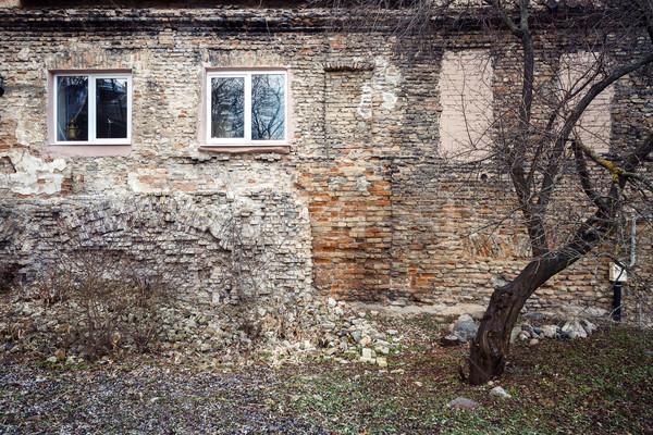кирпичная стена Windows дерево выветрившийся два Сток-фото © Taigi