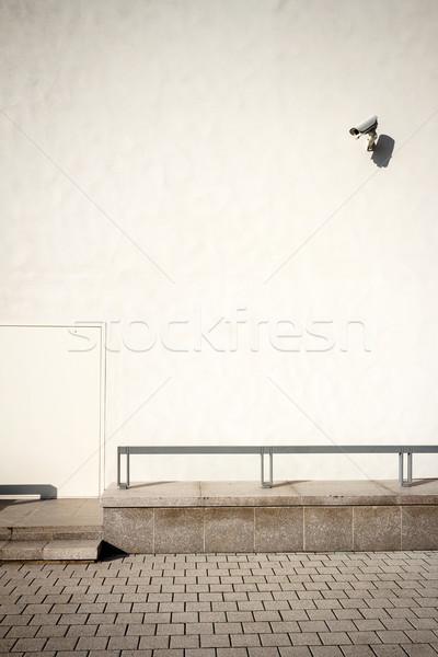Fehér fal biztonsági kamera napos idő ház épület Stock fotó © Taigi