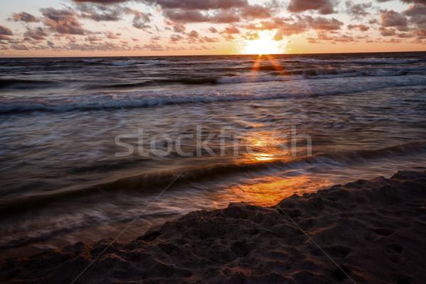 Foto d'archivio: Tramonto · spiaggia · bella · nubi · mare · l'esposizione · a · lungo