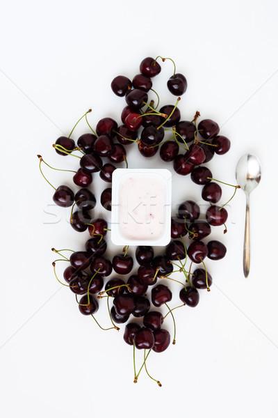 Recipiente iogurte monte fresco cereja Foto stock © TanaCh