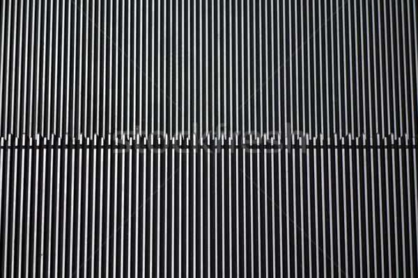Texture détail escalator modernes immeuble de bureaux affaires Photo stock © tang90246
