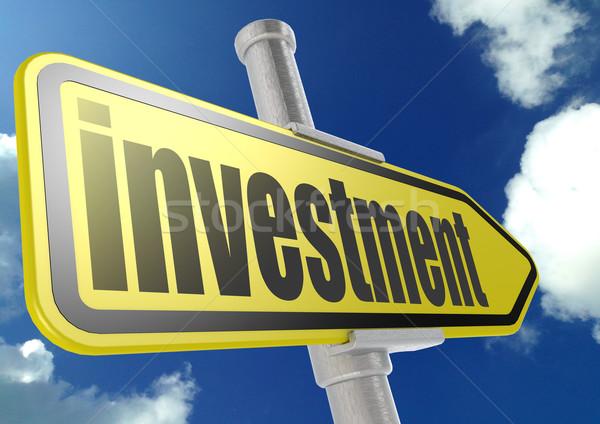 Geel verkeersbord investering woord blauwe hemel afbeelding Stockfoto © tang90246