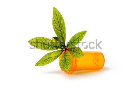 Medicina alternativa canabis hoja píldora botella drogas Foto stock © tangducminh