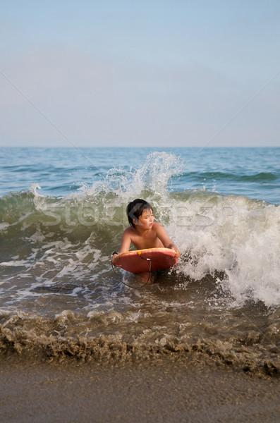 Asiático menino surfe praia corpo verão Foto stock © tangducminh