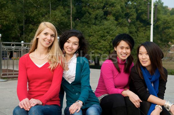 Mutlu kadın Öğrenciler kolej açık kızlar Stok fotoğraf © tangducminh