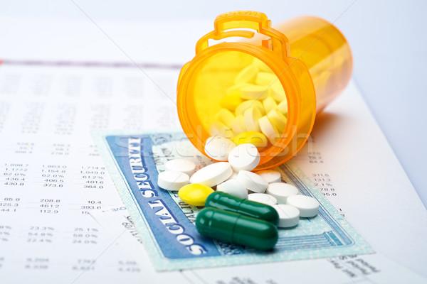 Medicate társadalombiztosítás tabletták számla papír terv Stock fotó © tangducminh