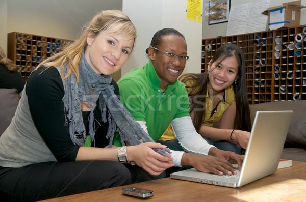 Eğitim eğlence Öğrenciler dizüstü bilgisayar öğrenci Stok fotoğraf © tangducminh