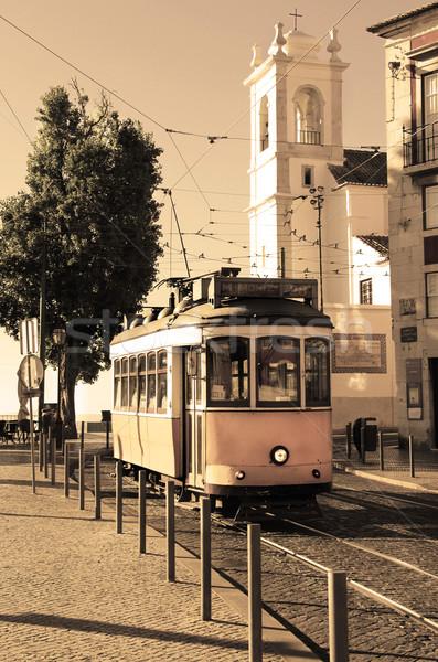 Lisboa tranvía edad amarillo ciudad calle Foto stock © tannjuska