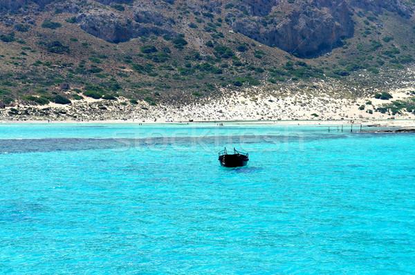 Belle turquoise mer bateau plage Photo stock © tannjuska