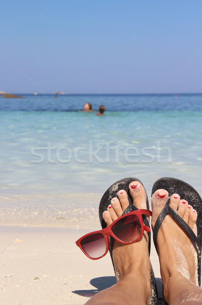 Ontspannen strand schone Blauw water vrouw Stockfoto © tannjuska