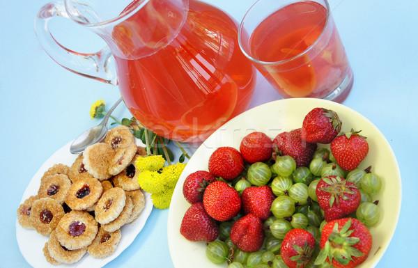 Lata owoce napojów truskawki koszyka świeże owoce Zdjęcia stock © tannjuska