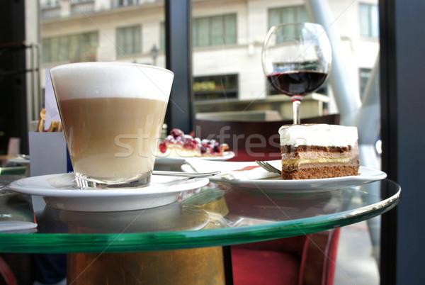 Tiramisu párizsi kávézó gyümölcskenyér étel kávé Stock fotó © tannjuska