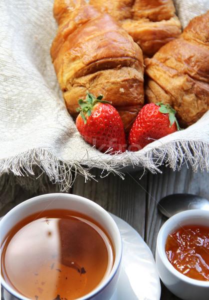 Photo stock: Fraîches · français · croissant · table · fraises · fond