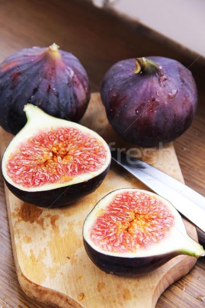 Belo maduro fresco tabela mesa de madeira fruto Foto stock © tannjuska