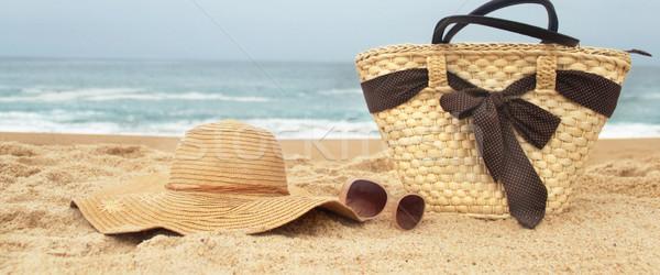 Tengerpart divat tenger idő szalmaszál strandszatyor Stock fotó © tannjuska