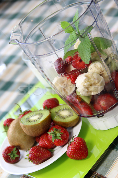 Fraîches fruits smoothie ingrédients Photo stock © tannjuska