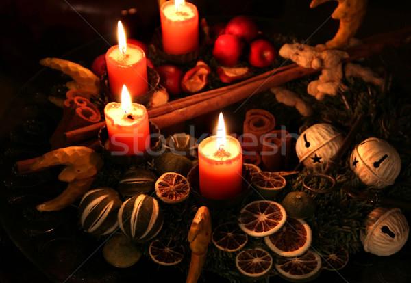 Karácsony koszorú hagyományos égő gyertyák tűz Stock fotó © tannjuska